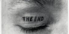Ulrichs_THE-END,-Augenlied-Tätowierung,-1970.16.5.1981.-Injekt-Print-auf-Leinwand-auf-Keilrahmen,-150-x-150_web